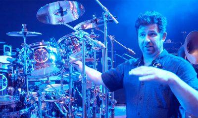 Sound Engineer Brent Carpenter erläutert die Mikrofonierung des Drumssets von rush's Neil Peart.   Screenshot