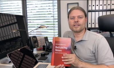 """Volker Holtmeyer hat für uns das Buch """"Rock and Pop Venues"""" von Niels Werner Adelmann-Larsen begutachtet."""