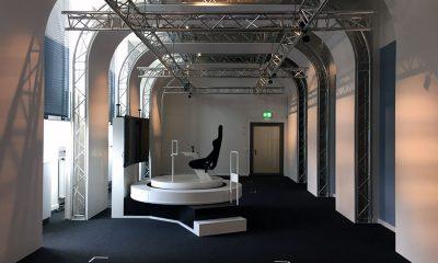 Um dem VRlab einen technischen und futuristischen Look zu geben, entschied man sich für ein modernes Raum in Raum Konzept mittels einer Traversenkonstruktion. # © Global Truss