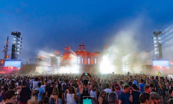 Die größte Festivalbühne Europas beim Parookaville-Festival.   © Markus Wilmsmann