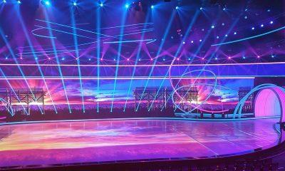 """Die Eisfläche bei """"Dancing on Ice"""" wird mit acht Projektoren bespielt. Foto: Dennis Muhl"""