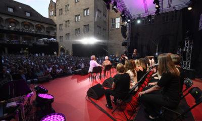 Bobby McFerrin bei den Jazzopen 2019 im Alten Schloss – homogene Abdeckung und natürliche Wiedergabe für feinsten Vocal-Jazz. # © Reiner Pfisterer