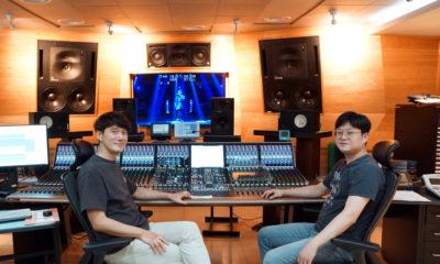 KBS Tonregie Maintenance Engineers Yang Jung Hwa & Kim Jae Min vor der Stage Tec Aurus Platinum Konsole © Syncfish