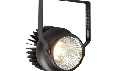Die High Output-Version der Pro One-Cell-Serie bietet 8700 Lumen bei festen Farbtemperaturen von 2700 K und 3000 K. Wie das Leuchten-Pendant für den Festinstallationsbereich ist auch dieses Modell mit hochwertiger Optik ausgestattet.