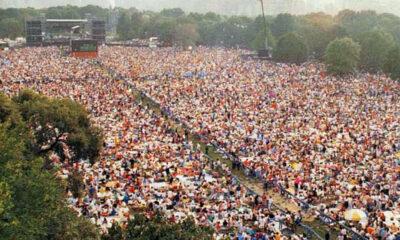 Paul Simon im New Yorker Central Park vor geschätzten 700.000 Menschen.
